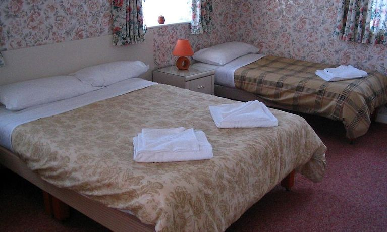 Broadway Bed And Breakfast Blackpool